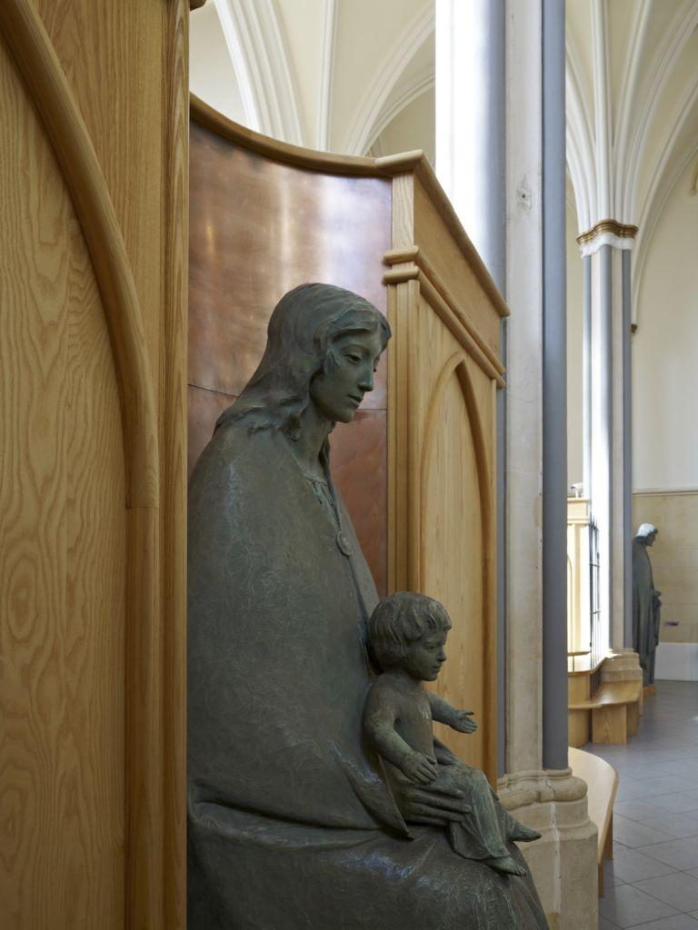 weal-e-col-statue